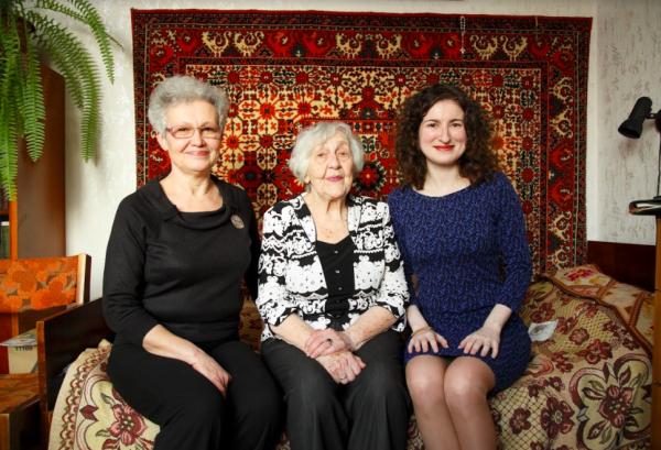 Праведница Народов Мира Елена Малова-Завадская с дочерью Юлией и Светланой Левитас